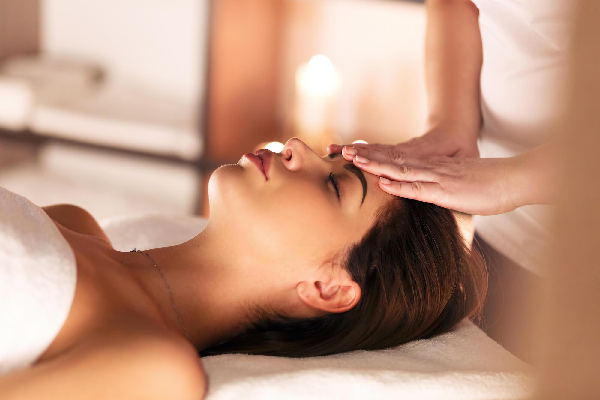 massage aux huiles et plantes bio